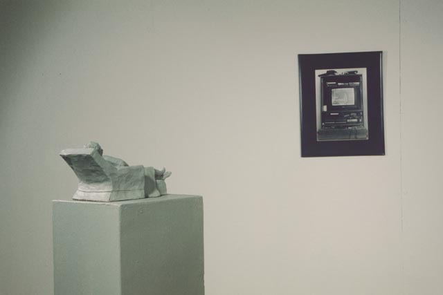 tv sculpture and picture